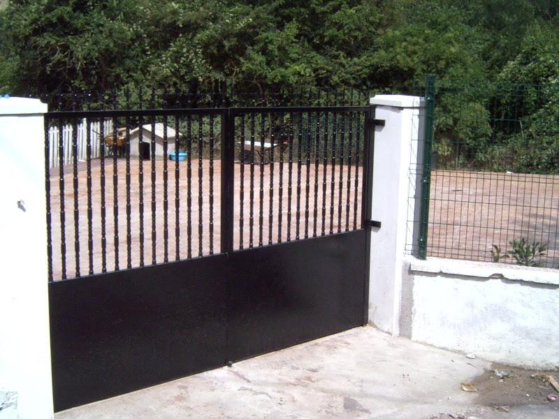 Porton de acceso de hierro