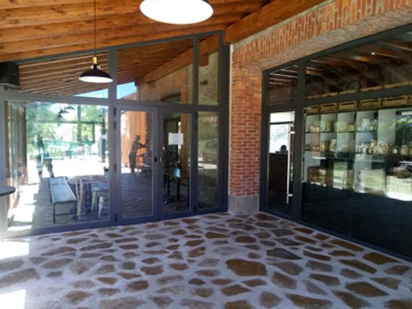 Reforma Biltegia Bar restaurante y centro logístico de la bicicleta
