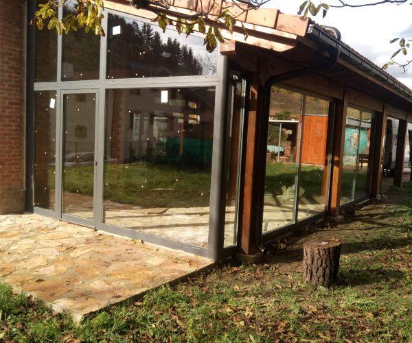Cerramiento de porche con tejado - Pamplona
